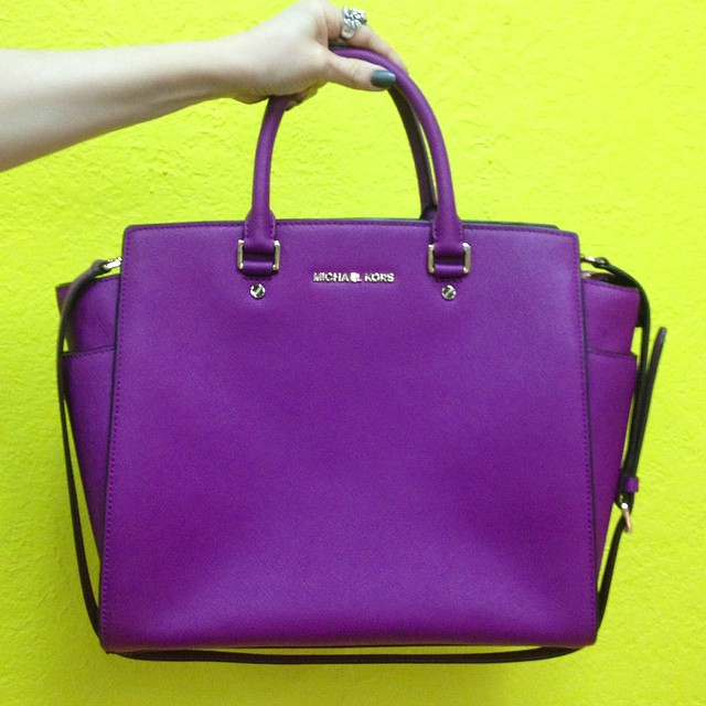 So many wonderful things in bold colors at the colonial location. Like this #MichaelKors purple saffiano leather SELMA satchel. It is in lovely condition and retails for $358, we have it for only $239!
