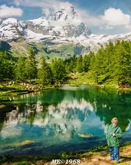 Tribute (iw2ijz) Tags: cervino valle daosta lago lake italia italy persone people person mamma mother tribute tributo blu blue rullino analogico yashica dedica pellicola vacanze aosta