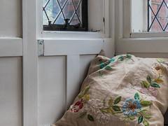 Comfortable Corner (Ian_Matthews) Tags: historicbuildings redhouse bexleyheath