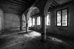 Church  with cloister (Italy)  (12) (Arno G) Tags: church eglise abandonn abandon decay dsaffect urbex explorationurbaine exploration cloister clotre pentax sigma1020mmf35exdchsm italy hdr poussire