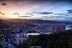 20161019  (Stuart Chen Photography) Tags:     freeway  bridge  building  river  bitan  mountain  cloud  sky    xindian   newtaipeicity  taiwan nikon d5500 hdr