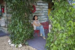 Flash Direto (Diego Lombo Machado) Tags: woman folhas leaves bench mulher banco flash2 ecafoto14