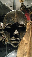 Masques (3) (johnslides//199) Tags: art suisse mask geneve louvre african carving tradition figurine masques guimet mma masqueafricain ethno tribus branly idole ethnographie museebranly museeethnographie