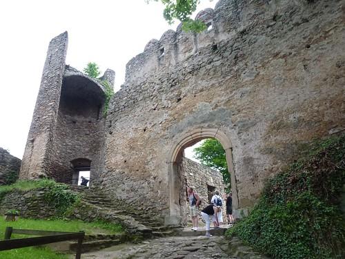 Brama zamku dolnego z przedzamcza na Zamku Chojnik w Sobieszowie