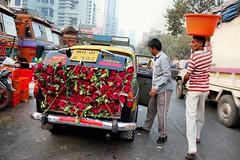 Dadar Flower Market / 18 (mariannaF) Tags: city travel flowers india flower asia market culture streetphotography documentary explore bombay mumbai flowermarket wholesale reportage dadar southasia travelphotography