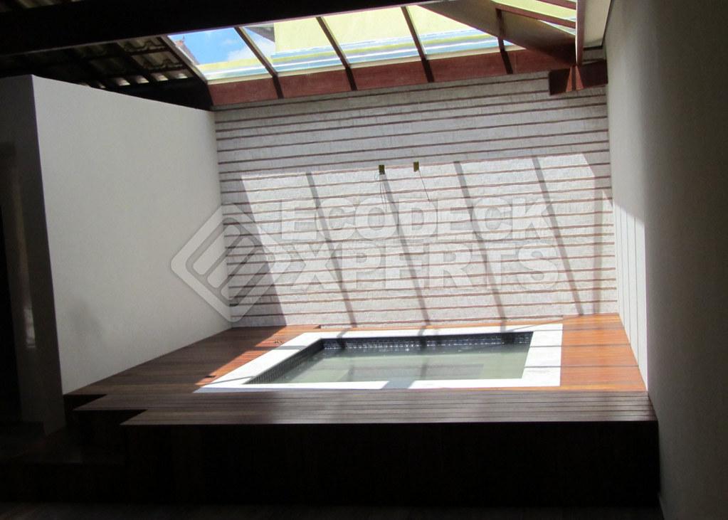 Deck Hidromassagem Quadrada - 011