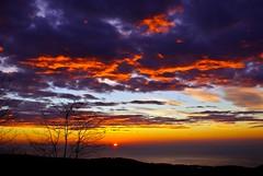 Matinada - Amanecer - Sunrise (gemicr69) Tags: barcelona sea sky espaa sun sol clouds sunrise mar spain europa europe sony cel catalonia amanecer cielo nubes catalunya tiana alpha catalua nuvols espanya a300 matinada conreria dslra300 joangarciaferre gemicr gemicr69