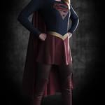 La Supergirl de CBS dans son costume