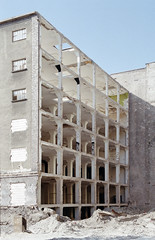 Demolition V (Florian Thein) Tags: berlin film architecture analog canon kreuzberg concrete demolition architektur 135 kontor lager beton abriss skelett canonf1 cuvrystrasse stahlbeton kleinbild dmparadies lensblr photographersontumblr cuvrybrache