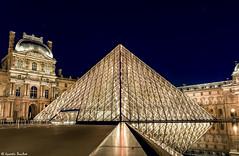 Pyramide du Louvre (Quentin Douchet) Tags: longexposure paris monument night nuit palaisdulouvre edifice pyramidedulouvre longuepose poselongue louvrepyramid louvrepalace