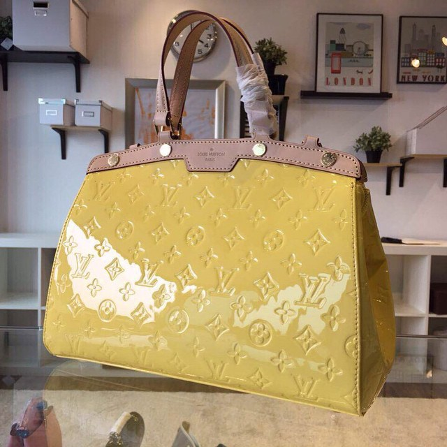 2015 Luxe LV Brea bags women 34cm  Email:salelvbag@gmail.com  #tagsforlikes#likeit#lv#brea##lvbrea#louisvuittonbrea#louisvuitton#show#bag#louisvuittonbag#shopping#shoplv#follow#me#hair#makeup#instafollow#cool#summer#shoutout#likeforlike#cute#hot#lvsale#pi