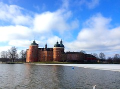 Gripsholm Castle in beautiful Mariefred. (svenskvagguide) Tags: