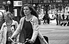 Street (heiko.moser) Tags: street city people bw woman streetart blancoynegro canon person mono women leute noiretblanc candid strasse hamburg streetportrait nb menschen sw monochrom publicity schwarzweiss nero personen discover streetfoto einfarbig schwarzweis eyecatch blackwihte entdecken streetfotografie heikomoser