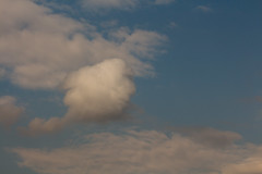 Floaty cloud head (Sculptor Lil) Tags: canon700d dslrsingleexposure london cloudhead clouds handheld pareidolia sky weather
