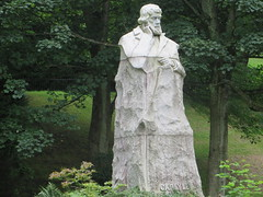 Carlyle (NomadWarMachine) Tags: glasgow scotland statue carlyle kelvingrove park