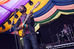 Jalen N'Gonda @ Mostly Jazz 1 (preynolds) Tags: musician music festival drums concert birmingham raw dof singing guitar stage gig livemusic noflash soul singer drummer drumming guitarist moseley rnb frontman mark2 stagelights moseleyprivatepark tamron2470mm canon5dmarkii counteractmagazine mostlyjazz2016