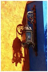 Tenerife (dreams of the earth) Tags: fly canaries island beauvais airport ryanair sky blue world earth nikon mare nostrum la caleta pub le colonial red tenerife las americas hard rock sunset vulcano los cristianos extrieur oiseau gigantes lezard papagayo volkswagen coccinelle aircooled sport eau vague ocan mer bateau coucher de soleil paysage littoral ciel nuage rivage cte plage calme surraliste vhicule lzard fleur du paradis animal garachico bordure photo plante palmier arbre montagne pierre front architecture horizon ville profondeur champ