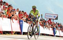 ALBERTO CONTADOR en el AUBISQUE / 1810HKE (Rafael González de Riancho (Lunada) / Rafa Rianch) Tags: ciclismo cycling cyclisme bicicletas vueltaaespaña sport deportes bicis bikes spain