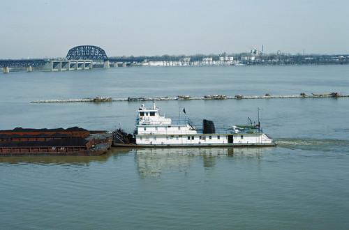 88b077: Vicksburg downbound approaching Portland Canal