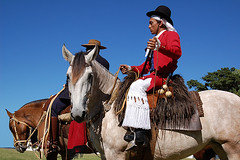 O gacho antigo (shumpei_sano_exp3) Tags: brazil horses horse southamerica brasil criollo caballo cheval caballos cavalos pelotas pferde cavalli cavallo cavalo gauchos pferd riograndedosul brsil chevaux gaucho amricadosul boleadoras gacho campero amriquedusud gachos sudamrica suramrica calzoncillo amricadelsur sdamerika crioulo caballoscriollos criollos pilchas pilchasgauchas costadoce camperos americadelsud crioulos cavalocrioulo americameridionale boleadeiras caballocriollo pilchasgachas chirip campeiros campeiro cavaloscrioulos ceroulasdecrivo
