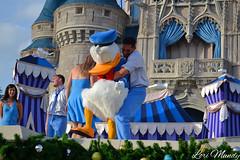 Dream Along With Mickey (disneylori) Tags: disney disneyworld characters wdw waltdisneyworld donaldduck magickingdom disneycharacters dreamalongwithmickey disneyperformers nonfacecharacters
