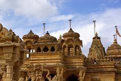 Shree Sanatan Hindu Mandir 4 (Pianowerk) Tags: city london architecture arquitectura carving architektur sola architettura hdr architectuur architektura  mimarlk arkitekturo shreeswaminarayantemple argitektuur shreesanatanhindumandir sanatanhindumandirwembley pianowerk