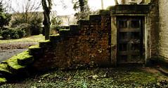 Alte Treppe auf dem Friedhof (gutlaunefotos ☮) Tags: alt treppe kapelle altenburg