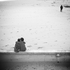 L'amour 3 (no sabemos cmo llamarnos) Tags: street blackandwhite love blancoynegro monochrome noiretblanc amor streetphotography amour