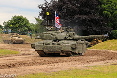 Challenger 2, Tank Fest 2016, Bovington Tank Museum (SHGP) Tags: tank fest 2016 bovington museum armour armor vehicle canadian army land forces armed day military canon eos 700d sigma 18250mm outdoor british uk united kingdom challenger 2 ii