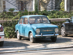 Fiat 850 (photobeppus) Tags: laspezia cars classic vintage fiat rear engine traction 850 motor vehicles transport streets cities urban photography