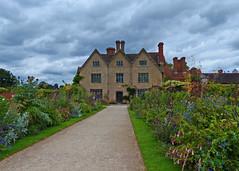 Packwood House, Warwickshire. (National Trust) (Tudor Barlow) Tags: packwoodhouse warwickshire nationaltrust england statelyhome summer lumixfz200 listedbuilding gradeiilistedbuilding