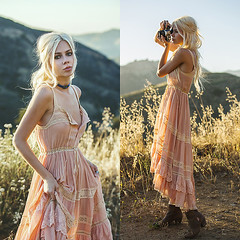 Be a Pioneer Sarah L., 25  Personal Style Blogger  nomad, United States (9lookbook.com) Tags: beach boho breezy california coachella crochet desert festival french matallic neutral nordygirl simple soft spell summer topshop spelldesigns