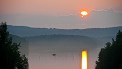 Setting sun and its reflection on Paloselk (Firewater), take 2. Keilankanta (Beam Base) bridge, Kuopio, Finland, 2016-07-25 21:53 +03. (heikki.nylund) Tags: settingsun reflection paloselk keilankantabridge kuopio finland
