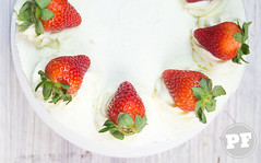 Bolo de Morango e Chantilly (Japanese Strawberry Shortcake) ([Vitor Hugo]) Tags: bolomorango strawberryshortcake sweet comida bolo morango chantilly