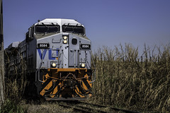 "2253'45.0""S 4708'16.2""W (Fabio_CPS) Tags: railroad railway rust color cam treking outdoor power nature angular street sd70 ac44 ge extreme calor hot sun"