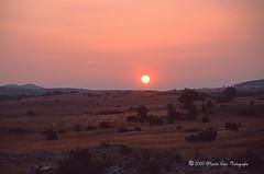 Coucher de soleil-img359 (hervv30140) Tags: france languedoc aveyron paysage nature sauvage soleil coucher ciel rouge plateau plat horizon extrieur t art sunset