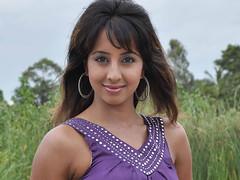 South Actress SANJJANAA Photos Set-7 (12)