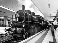 Locomotiva@StazioneOstiense@Roma (Marco Di Ferrante) Tags: train steam treno vapore locomotiva engine roma rome bw biancoenero white black station smoke fumo
