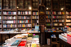 Book shop in Porto (oli.petas) Tags: books bookshop bookstore library oldbooks bookshelves bookshelf