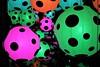 IMG_0456 (www.ilkkajukarainen.fi) Tags: wwwilkkajukarainencom yayoikusama näyttely exhibition colours lyhdyt suomi europa eu scandinavia värit museum musée museet museo museostuff tennispalatsi avantgarde modern art taide teos painting maalaus light vesi water