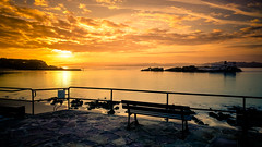 Amanecer en la playa (Luis Marina) Tags: sunrise sun beach otoo amanecer orange autumn bench banco water island isla color peace relax meditacion