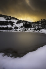 Morning light (3dRabbit) Tags: tipsoo lake snow winter october light mountain national park wa usa nature landscape foreground frozen peace dramatic sungjinahn canon wideangle 1635