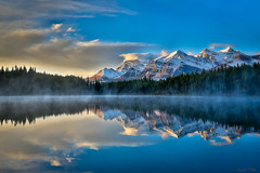 September Snow (Daniel.Peter) Tags: banffnationalpark berg canada herbertlake kanada schnee see spiegelung dpe3x lake mountain reflection snow