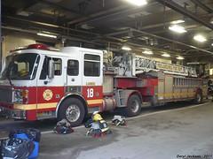 Philadelphia Fire Department Ladder 18 (GhostStationPA86) Tags: philadelphia unitedstates pennsylvania ladder feuerwehr bomberos firedepartment brandweer tiller americanlafrance bombeiros