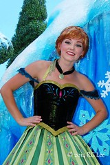 Anna - Disney Festival of Fantasy Parade (aeronerd) Tags: anna frozen wdw waltdisneyworld magickingdom disneycastmember princessanna disneyfestivaloffantasyparade disneyworldcastmemeber