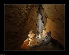 Emerveillement de Guy devant une Magnifique Concrétion de la Grotte des Photographes (francky25) Tags: guy de la des magnifique franchecomté devant une grotte doubs photographes emerveillement crouzet concrétion migette