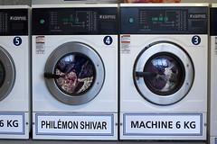 Maintenant on passe à l'essorage (Philémon Shivar) Tags: humour wash washing nettoyage lavelinge machinealaver philémon essorage shivar