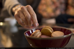 49/52 : Macarons (Ludtz) Tags: leica food coffee café olympus manger summilux nourriture macarons fooding m43 mft 52weeks 4952 52semaines olympuspenepl2 leicadgsummilux 52weeksthe2014edition week49thema leicadgsummilux25|14