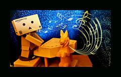 Danbo's Duet (karmenbizet73) Tags: music art toys photography flickr toystory woodentoys eyespy danbo 18365 danboard danbolove toysunderthebed 2015365photos discoveryofdanbo letsshootthis danbosduet