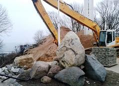 c68 - Gdynia - Kamienna Gra [Stony Hill] (si-mi-do) Tags: costa stone town stones hill polish ciudad shore stony colina polonia gora piedras excavator gdynia kamienie koparka kamienna wybrzeze ziemne